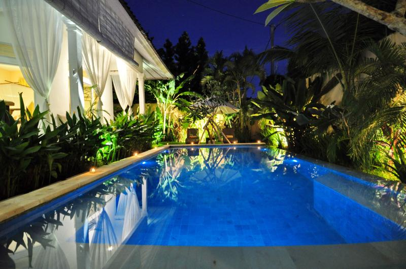 three bedrooms villa with swimming pool - Casa de Maria 2 Seminyak, 3 min walk to beach - Seminyak - rentals