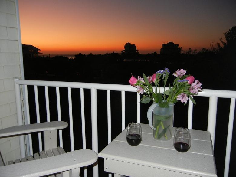 Upscale Condo in the Heart of Hatteras Village, Great Sunsets! HI23 - Image 1 - Hatteras - rentals