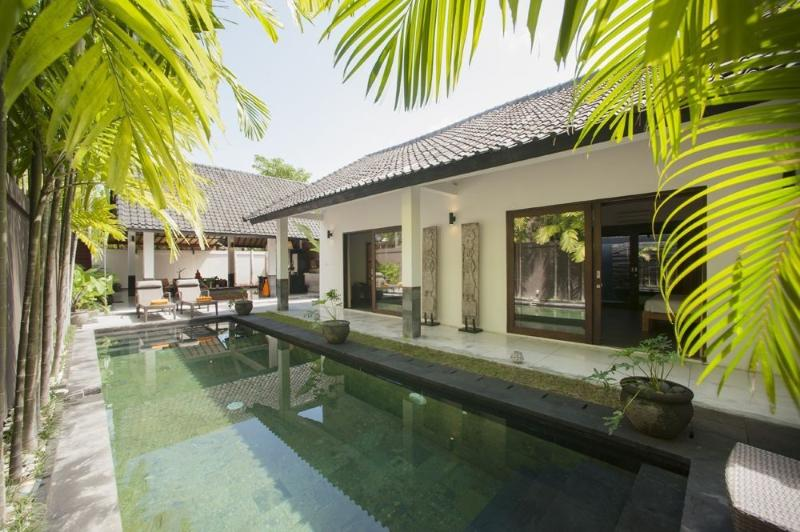 Gorgeous refreshing private swimming pool - 'ALLIRA'  Amazing 3 bedroom villa in Seminyak - Seminyak - rentals