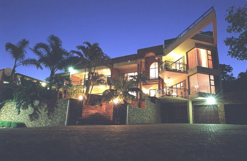 The Albatros at night - Albatros Guest House - Margate - rentals