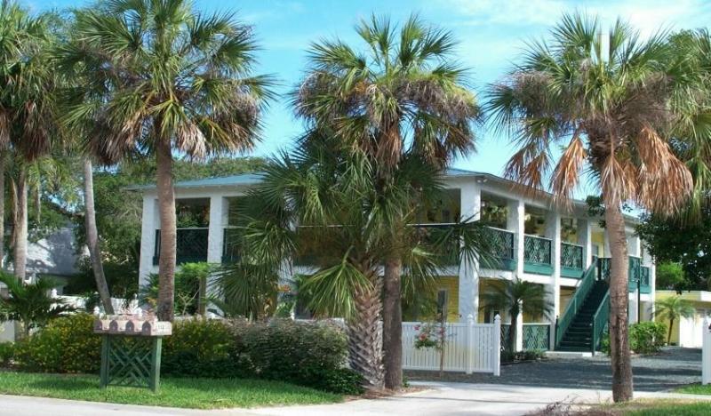 Pineapple Manor  512 Ocean Avenue,  Melbourne Beach, Florida - Pineapple Manor - Melbourne Beach - rentals