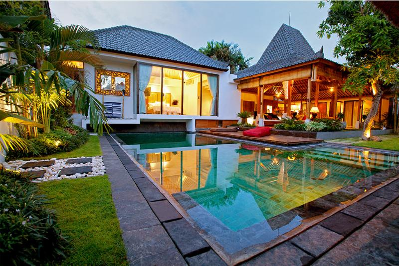 Sunset by the pool - relax and unwind in style - Villa Jasmine Bali 3.5 Bedroom Luxury in Paradise - Seminyak - rentals