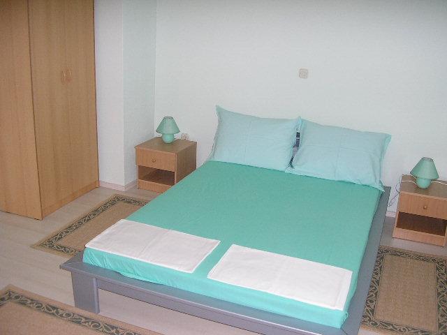 A5 Green apartments - Image 1 - Makarska - rentals