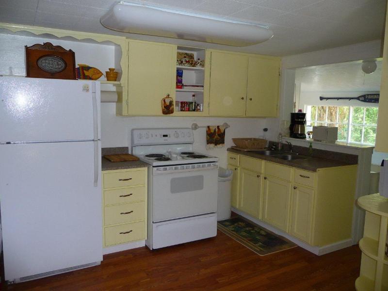 Fully stocked kitchen - Burney Creek Cottage - Burney - rentals