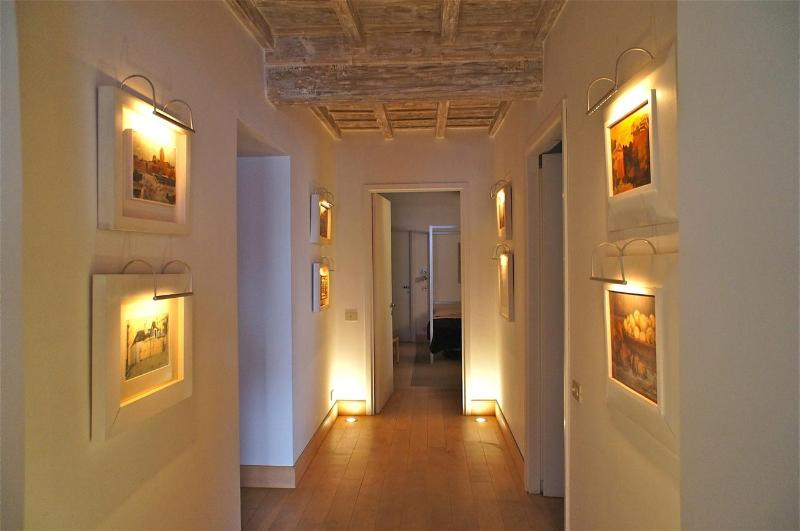 In Rome's Historic Center, Gracious Living with Historic Setting, Art and  Modern Comfort, 2 bedroom - Image 1 - Rome - rentals