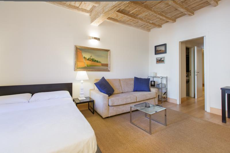 In Rome's Historic Center, Modern Comfort, and Style in a Studio near Piazza Navonna; Picolo la Fiam - Image 1 - Rome - rentals