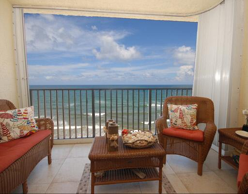 View from the patio overlooking thebeach - Dunewalk Penthouse by the Sea - Jensen Beach - rentals