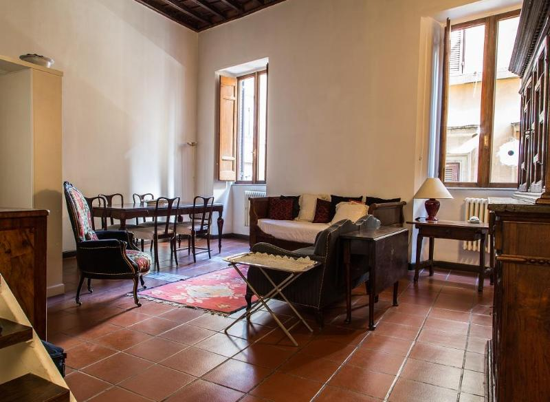 living and dining room - Pantheon-Center-A/C-FreeWiFi-NEWBATHROOM! - Rome - rentals