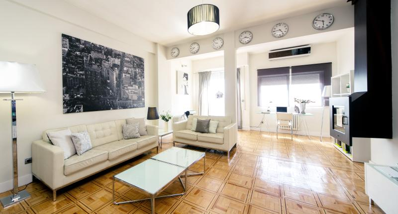 Welcome to our home. Sit comfortably and enjoy the tour around the apartment. - Luxury Tech Madrid Alcala with Terrace - Madrid - rentals