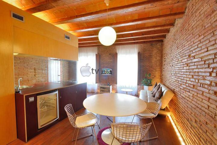 Welcome to our home. Sit comfortably and enjoy the tour around the duplex apartment. - Born Romantic Center Apartment near the beach - Barcelona - rentals