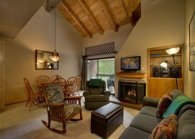 Living Area - July 2015: Mid-Week Rates Reduced By 25% Thru 7/16 - Carnelian Bay - rentals