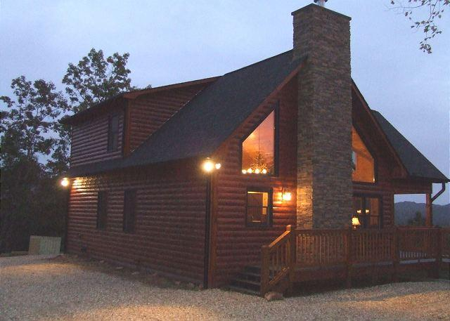 NIGHT TIME VIEW - ENJOY AN INSPIRING VIEW AT THIS WONDERFUL CABIN. - Mineral Bluff - rentals