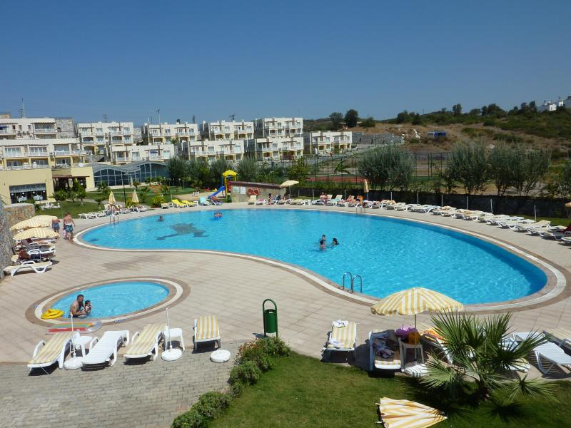 Overview of the main pool - Superb Apartment Lakeside Gardens/Bodrum/Turkey - Milas - rentals