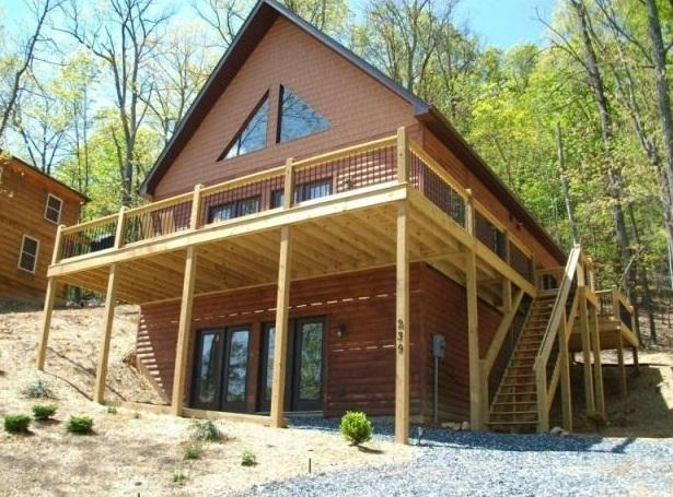 Newly constructed home, offers views of the moutain ridge. - Stay 6 Nights & 7th is FREE!  Golf/Ski/Swim/Spa - Massanutten - rentals