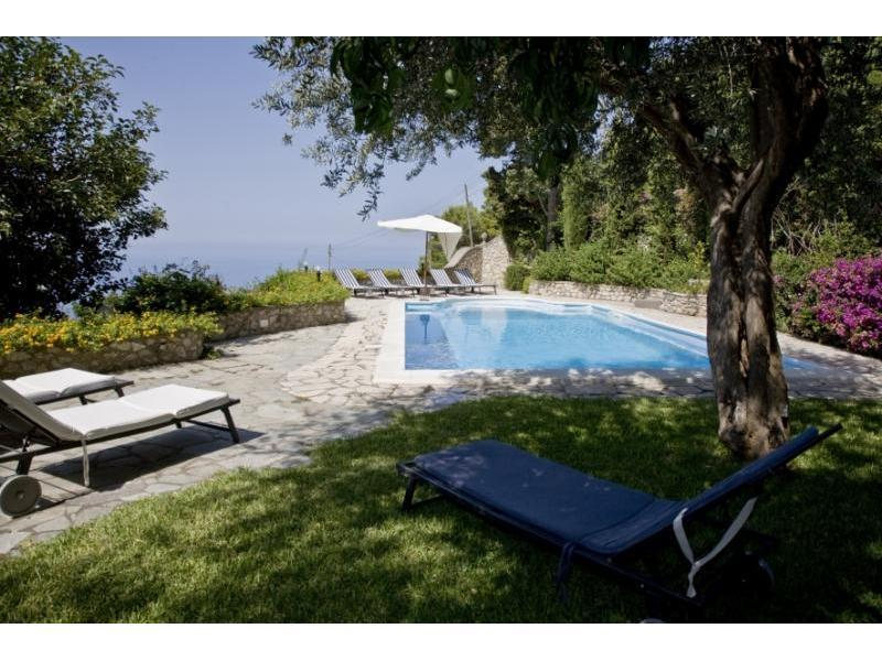 Villa with pvt swimming pool-wifi-air conditioner - Image 1 - Capri - rentals