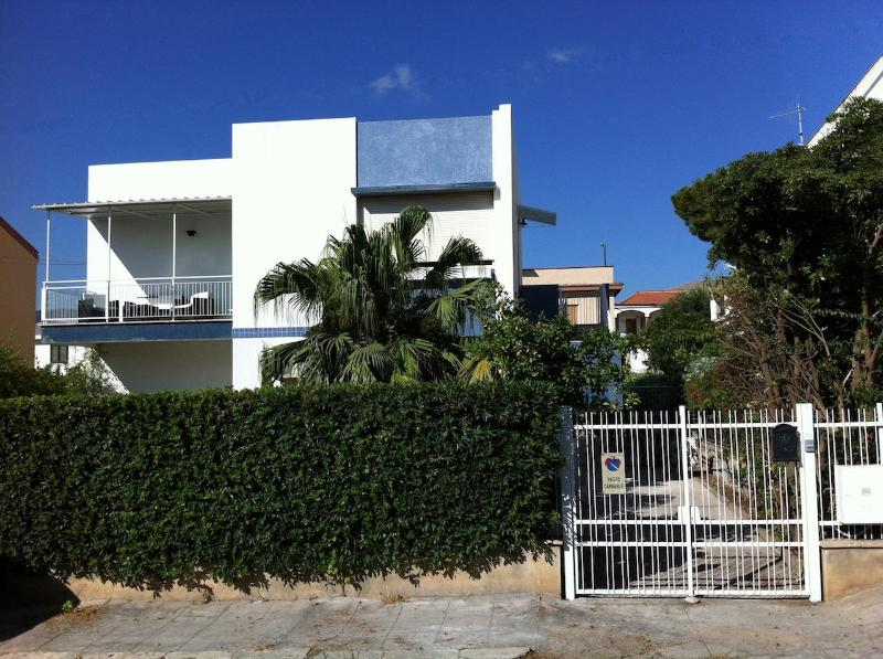 View from the street - Villa Azzurra Mondello Sicily - Palermo - rentals