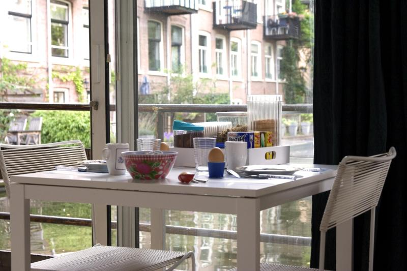 Waterfront breakfast at ARK16 - ARK16  Houseboat Bed and Breakfast - Amsterdam - rentals