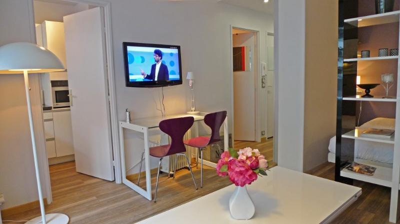 The living room - 918 Studio   Paris Other areas district - Paris - rentals