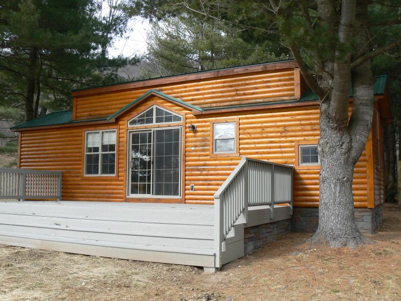 Front of the cabin - Happy Trails Cabin - Wellsboro - rentals