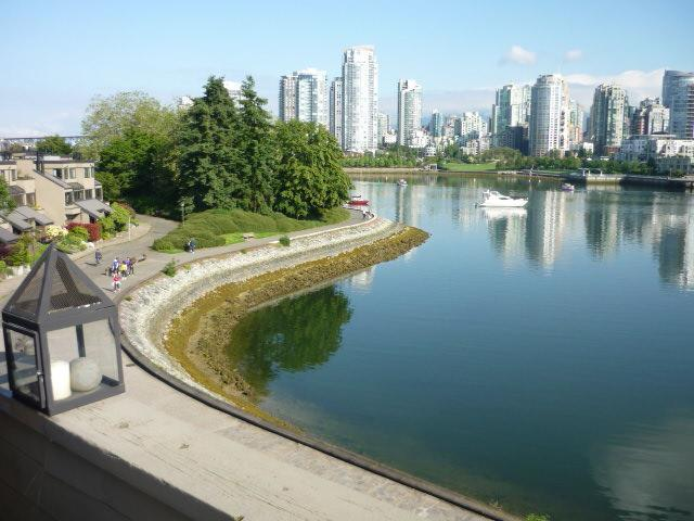 View from deck - Vancouver Waterfront Townhouse in False Creek - Vancouver - rentals