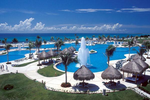 Main Pool area - 50 +10% off  2 Bedroom condo in Resort Complex - Playa del Carmen - rentals