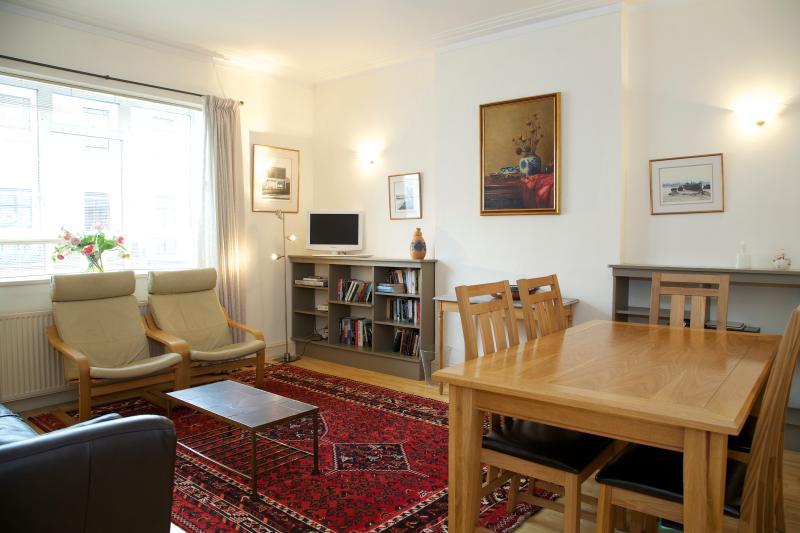 Sitting Room - 372858b6-88d9-11e2-a27e-782bcb2e2636 - London - rentals