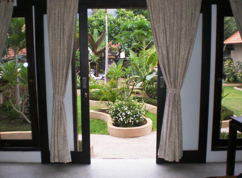 Dolphin Beach Bali - Bunga Jepun Suite - Image 1 - Lovina - rentals