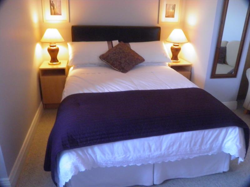 Upstairs Double Bed - Padua B&B - Northern Ireland - rentals