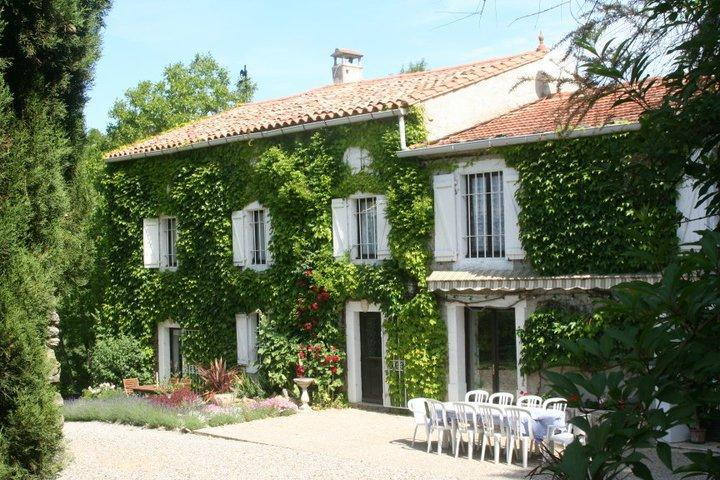 sun drenched south facade with private guests terrace - Domaine de Couchet - Languedoc-Roussillon - rentals