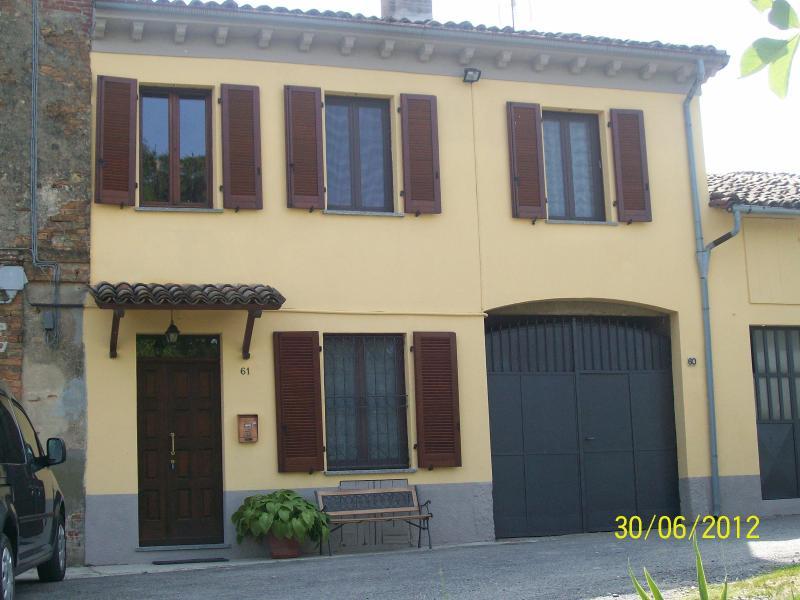 facciata - Tranquilla casa di campagna - Moncalvo - rentals