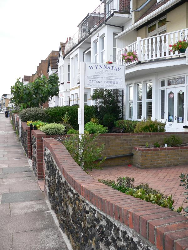 Street view outside Wynnstay - Wynnstay Self Catering Studio Apartments - Southend-on-Sea - rentals