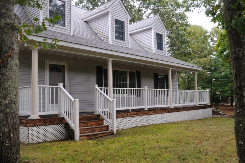 Front of the house - BEAUTIFUL HAMPTONS GETAWAY! - Hampton Bays - rentals