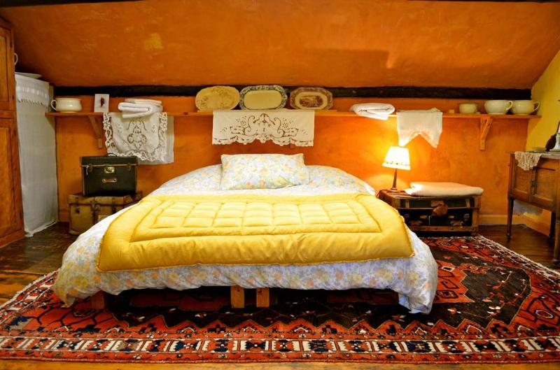 Yellow room - New Inn Brilley  Mustard Yellow Room - Hereford - rentals