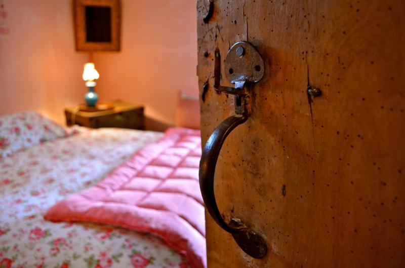 Pink room entdane - New Inn Brilley Rose Pink Bedroom - Whitney-on-Wye - rentals