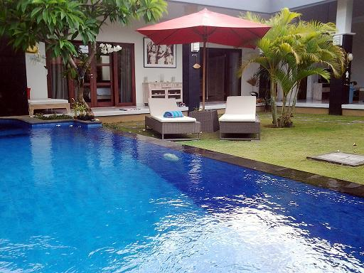 View side rooms and sunbeds - Villa 2 BD  Heart of Seminyak  300m from the Beac - Seminyak - rentals