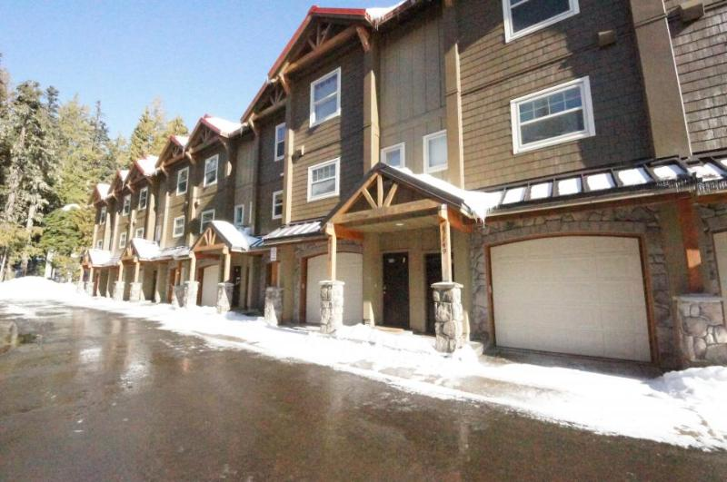 Pet-friendly, upscale condo with pool & hot tub access! - Image 1 - Government Camp - rentals