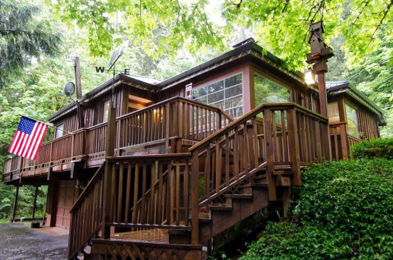 Riverfront home w/private hot tub, space for 6! - Image 1 - Rhododendron - rentals