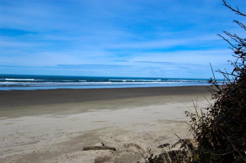 Coastal Hideaway - Image 1 - Yachats - rentals