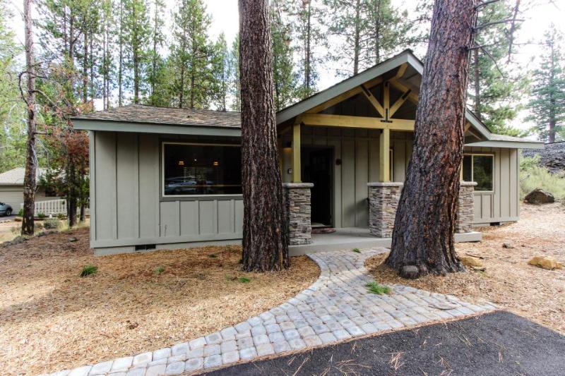 6 Juniper Newly Remodeled Vacation Rental - Image 1 - Sunriver - rentals