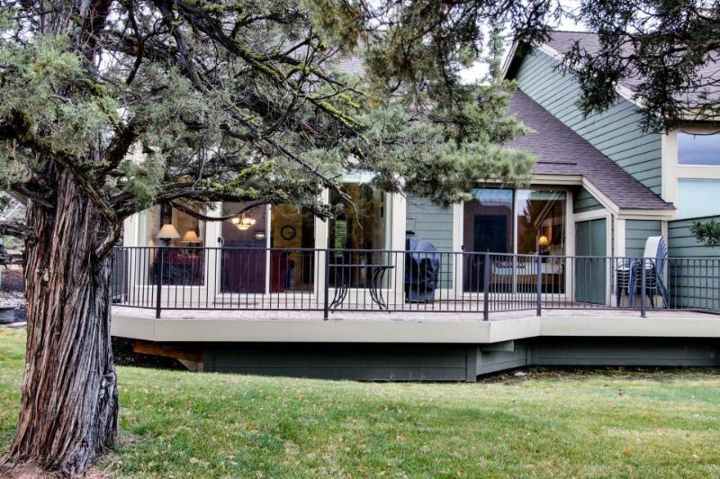 Eagle Crest Resort's Desirable Sage Country Court - Image 1 - Redmond - rentals