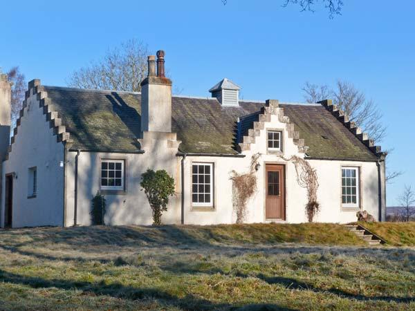 THE OLD LAUNDRY, character cottage on Highland estate, woodburner, grounds, Grantown-on-Spey Ref 20852 - Image 1 - Grantown-on-Spey - rentals