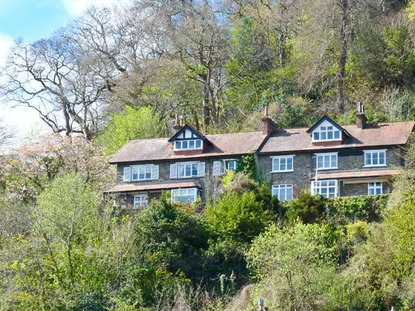 BAY VIEW HOUSE, fantastic veiws, en-suite facilities, spacious accommodation, in Lynmouth, Ref 22126 - Image 1 - Lynmouth - rentals