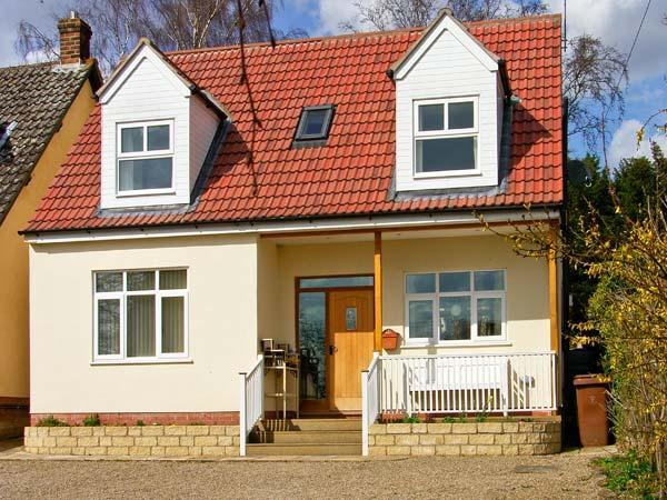 MEADOW VIEW, lovely views, fantastic location, en-suite facilities, in Pickering, Ref 25121 - Image 1 - Pickering - rentals