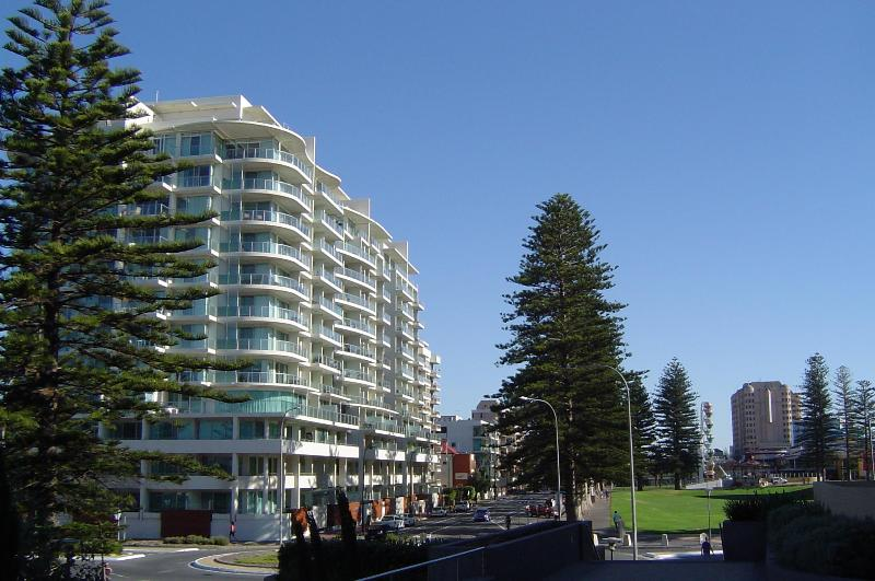 Liberty Tower - Glenelg Deluxe Apartment - Glenelg - rentals
