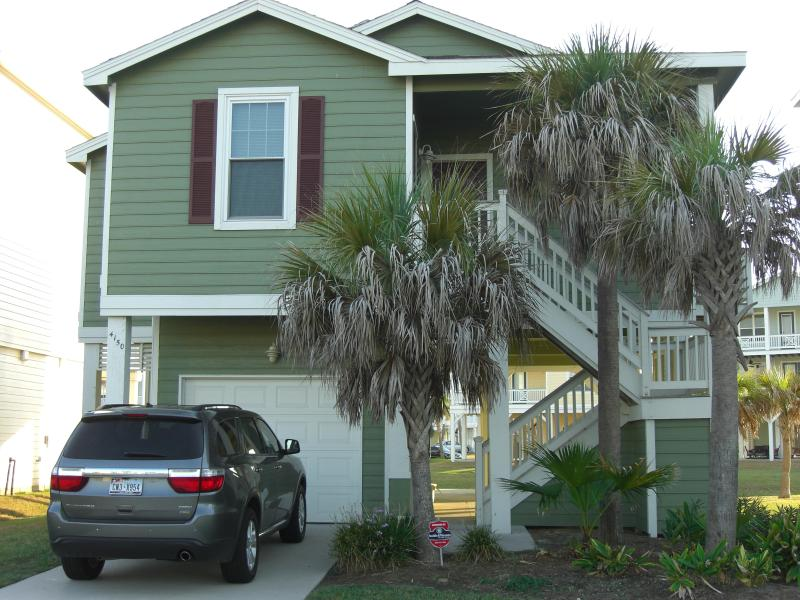 Front of cottage - The Good Life @ Pointe West - Luxury Beach Cottage - Galveston - rentals