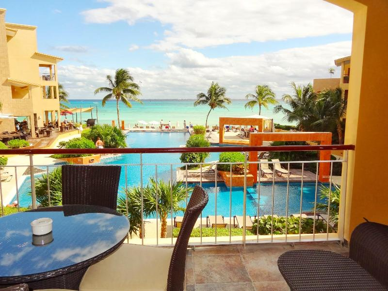 EL FARO 3bed BEACH FRONT Mini pool with OCEAN VIEW - Image 1 - Playa del Carmen - rentals
