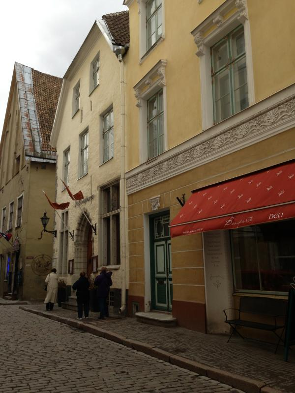 Beautiful home in Old Town - Image 1 - Tallinn - rentals