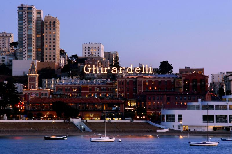 Stunning Location Overlooking SF Bay - Phenomenal, 2-Bd & 2-Ba Fairmont-Managed Luxury - San Francisco - rentals