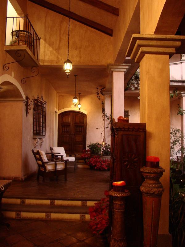 Courtyard - La Casa Rosada - Copan - rentals
