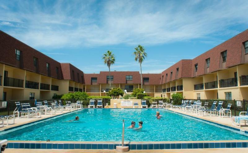 Pool - On-The-Beach-Great 3 Bdrm Condo in Cocoa Beach - Cocoa Beach - rentals
